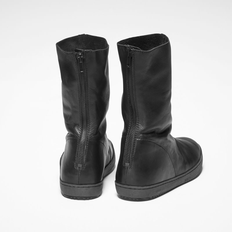 Sarah Pacini LOW LEATHER BOOTS Back view