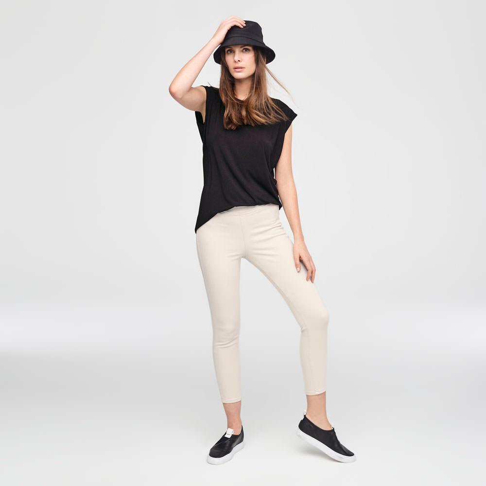 Sarah Pacini KORTE LEGGING IN STRETCHKATOEN Voorzijde