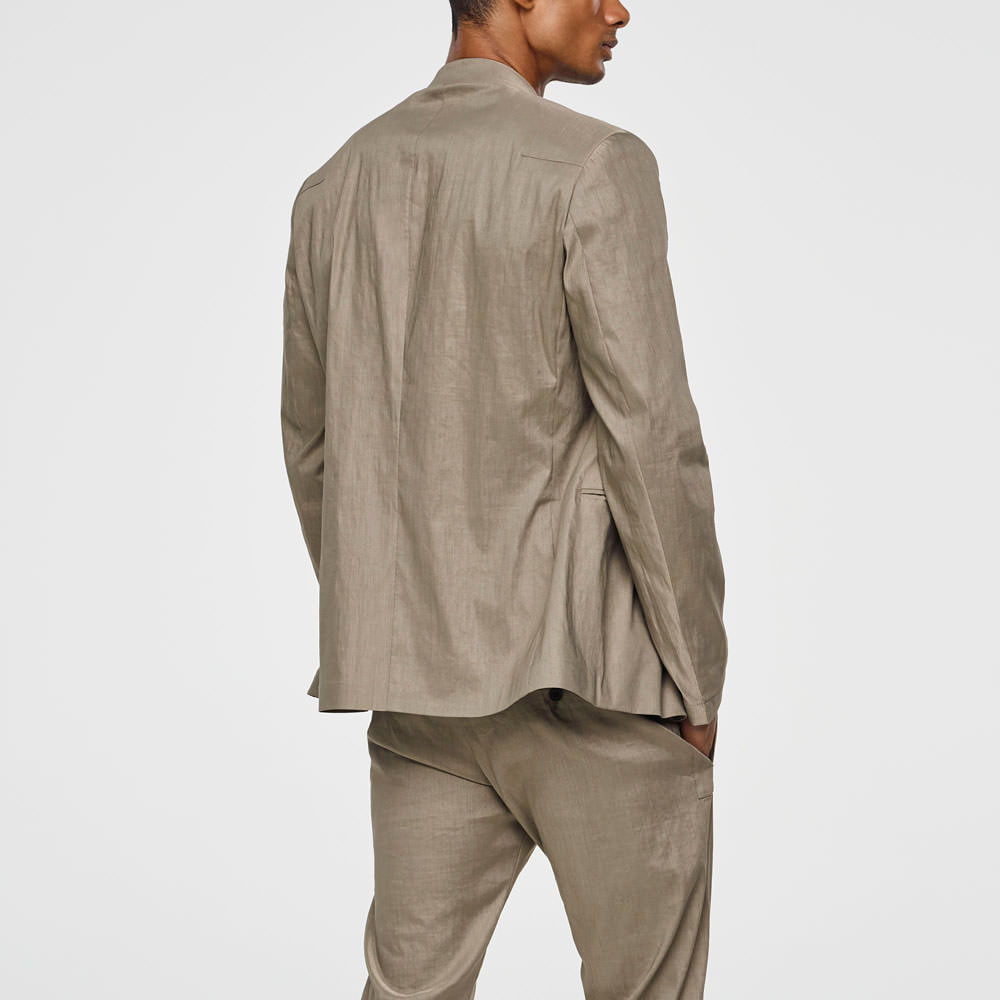 Sarah Pacini STRETCH-LINEN JACKET Back view