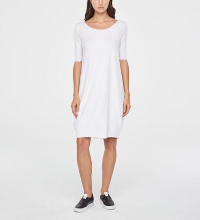 718898b7ae2b2 Achetez en ligne vos robes pour femmes chez Sarah Pacini