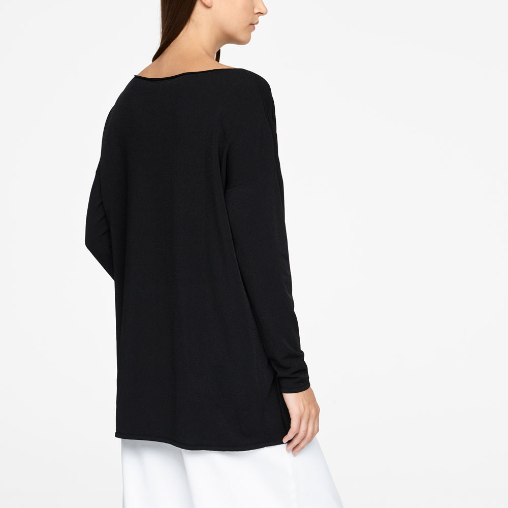 Sarah Pacini LONG SWEATER - POUCH POCKET Back view