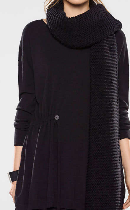 Sarah Pacini V-neck long sweater with soft belt Look