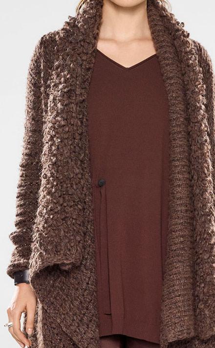Sarah Pacini Langer sweater mit v-ausschnitt und weichem gürtel Look