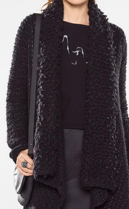 Sarah Pacini Short sweater Look