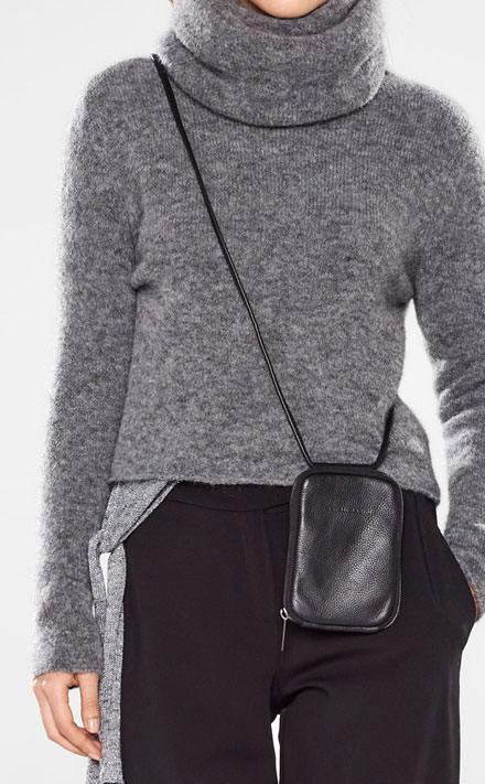 Sarah Pacini Short sweater with soft belt Look