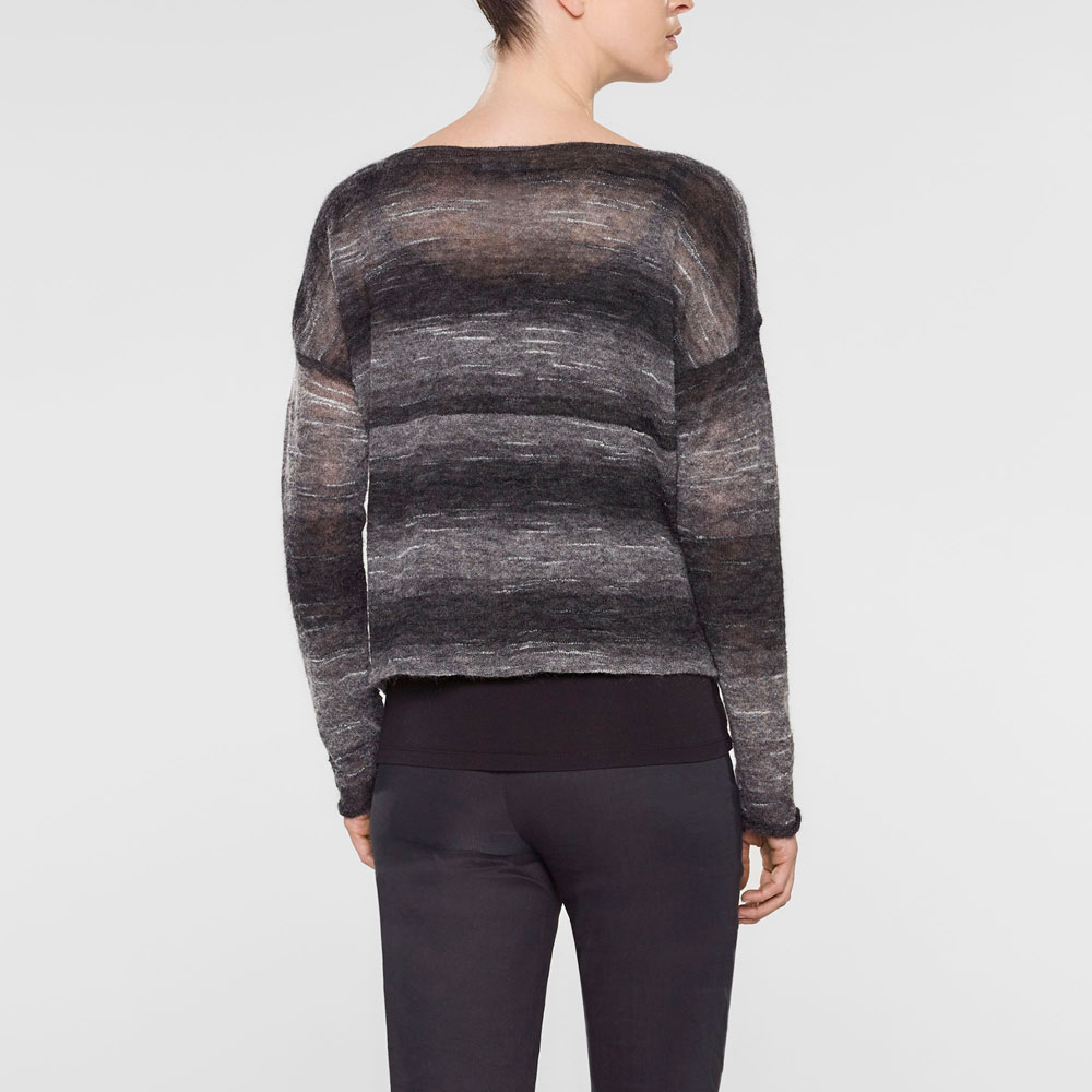 Sarah Pacini Short large sweater with long sleeves and scoop neckline Back view