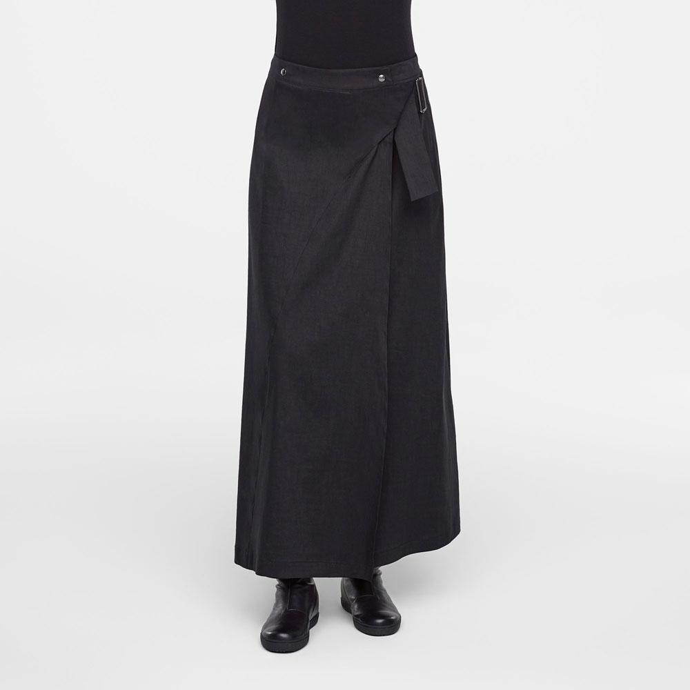 Iets Nieuws Zwarte lange rok, overslag design - Sarah Pacini @LO53