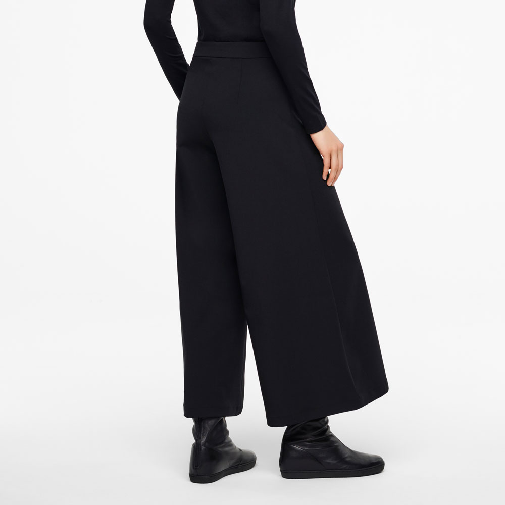 Sarah Pacini GAUCHO PANTS-WOOL GABARDINE Back view
