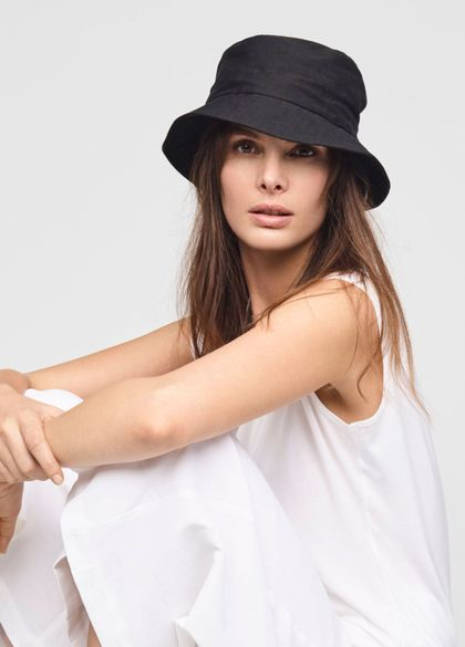Sarah Pacini STRETCH-LINEN BUCKET HAT